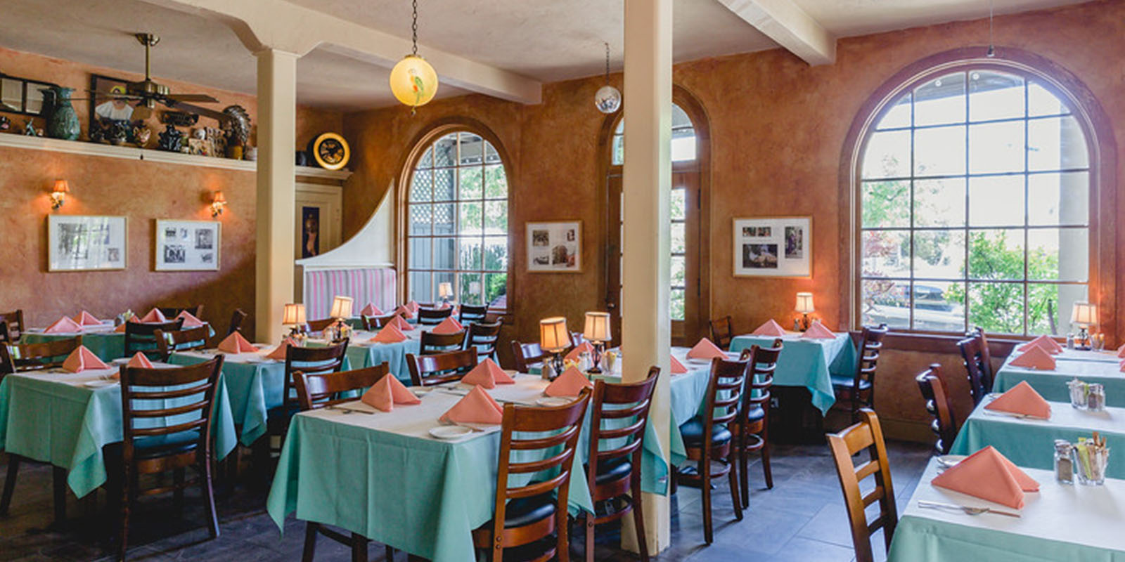 MINGLE WITH FRIENDS, OR MEET NEW ONES AT OUR SAN RAFAEL, CALIFORNIA HOTEL