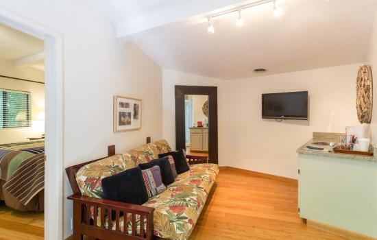 Mimi's Bungalow Living Area